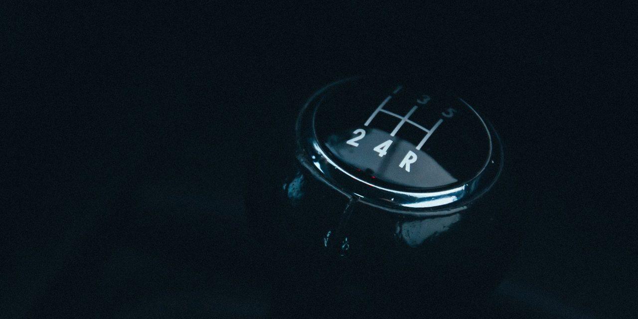 Proč elektromobil nemá klasickou převodovku?