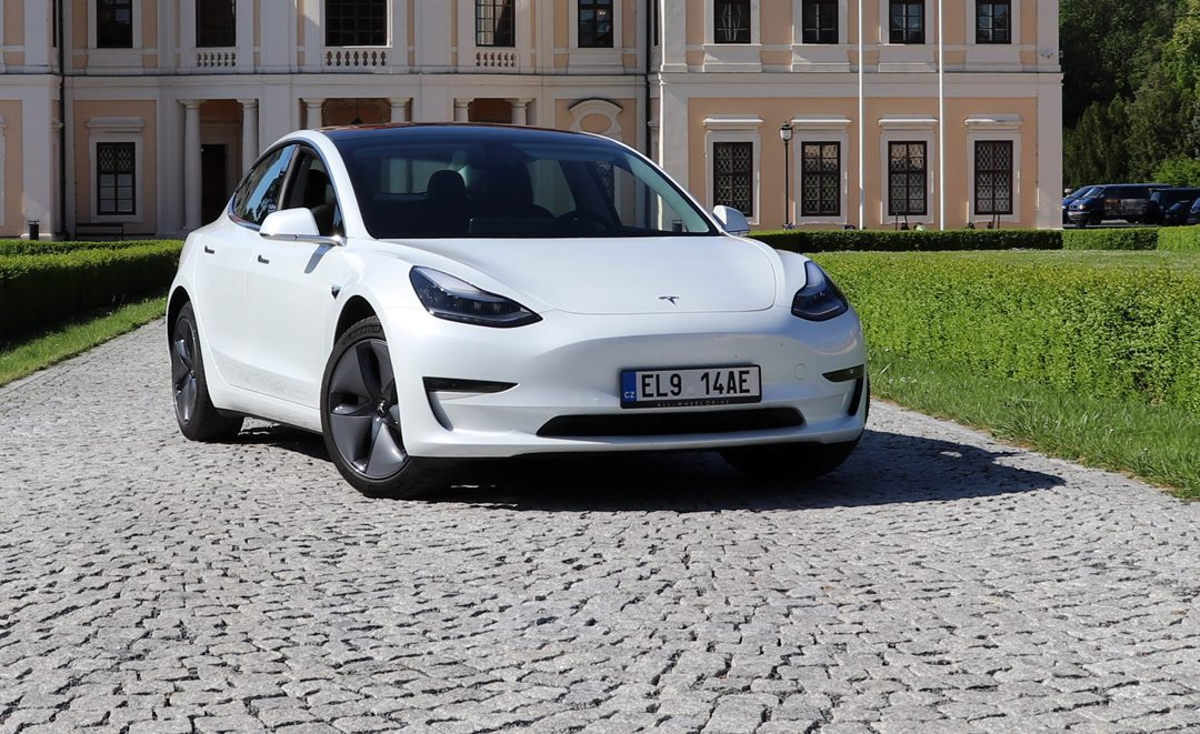 Zkušenost s Tesla Model 3